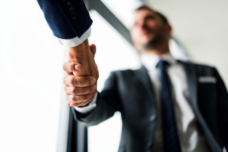 Macdata fecha parceria estratégica com a Fácil